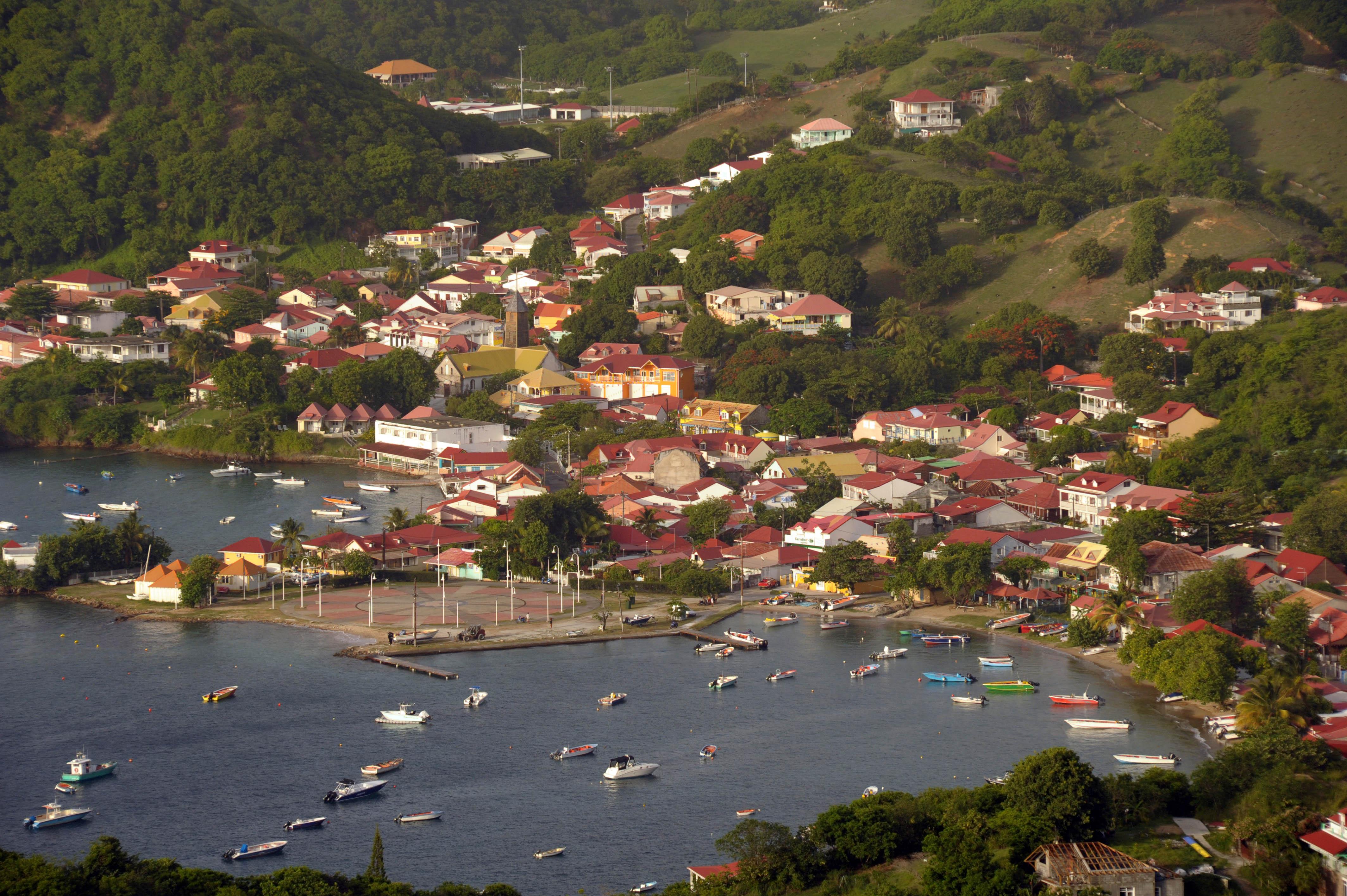 location vacances bungalow appartement gite touristique terre de haut les saintes chez claire et éric